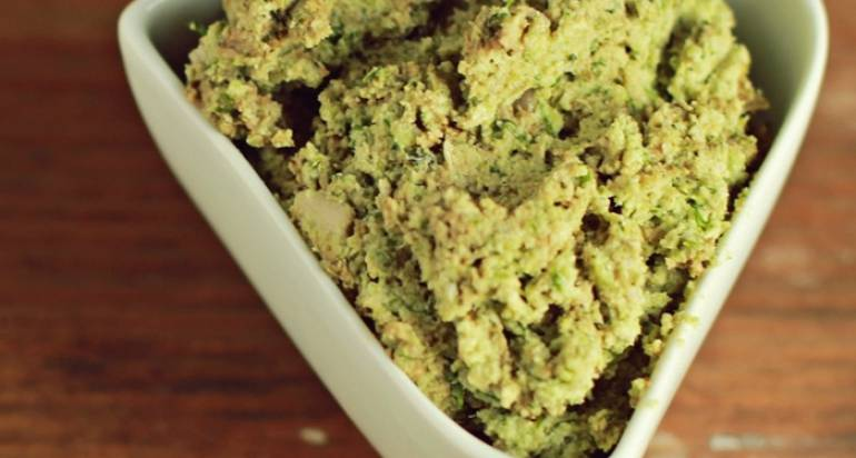 Pasta z surowego brokuła i słonecznika