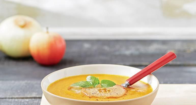 Jesienna zupa z jabłkami i kabaczkiem