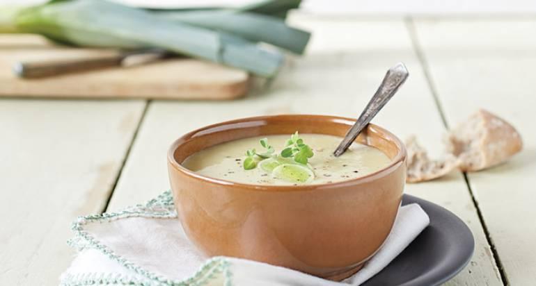Migdałowa zupa z porem
