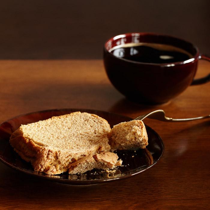 """""""Pound cake"""", czyli ciasto piaskowe ze świeżym imbirem"""