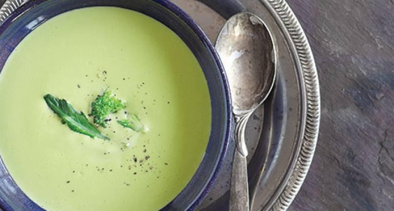 Zupa brokułowa z serem