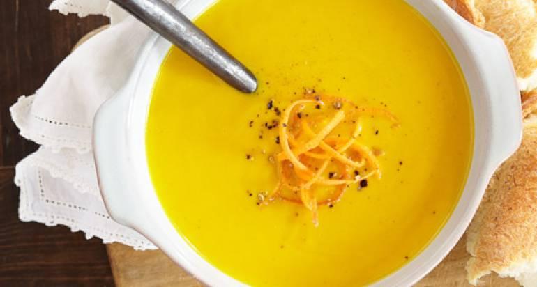 Zupa marchwiowo-imbirowa z tofu