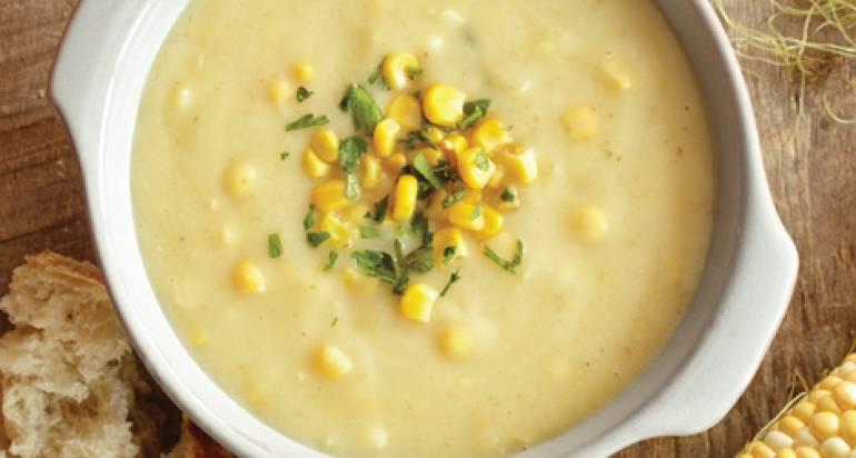 Zupa z kukurydzy, ziemniaków i mleka