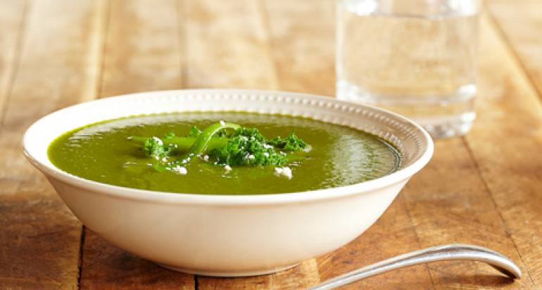 Zupa z jarmużem i porem