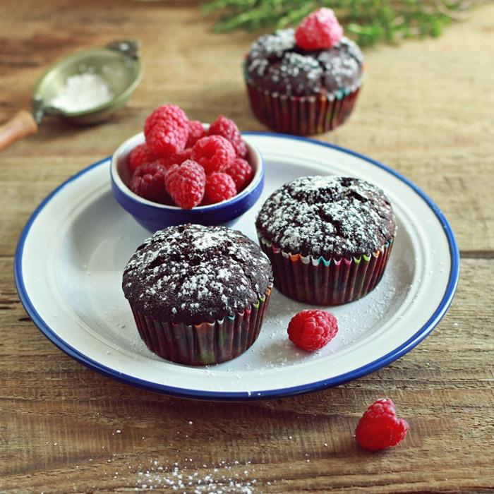 Czekoladowe muffinki z malinami – wegańskie i bezglutenowe!